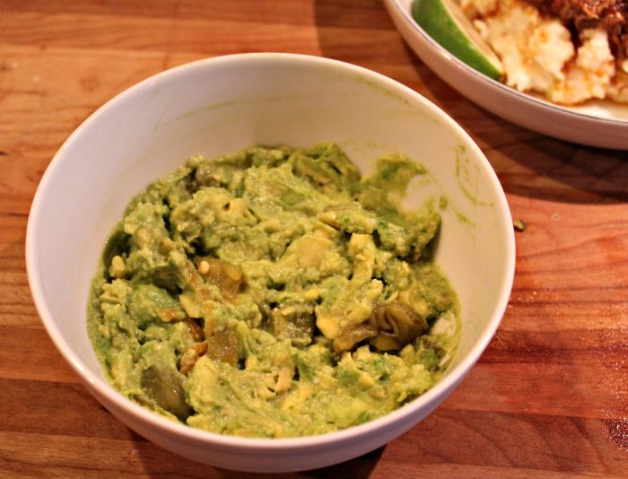 Hatch Chile Guacamole| the cardigan kitchen