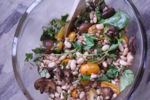 Super easy farro salad with roasted mushrooms!